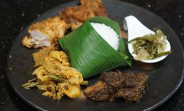 Mandeh Restoran Padang - Hotel JHL Solitaire