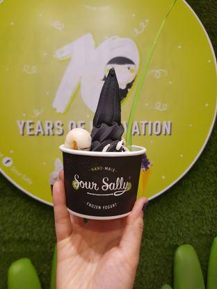 Foto review Sour Sally oleh Yuli    IG: @franzeskayuli 3