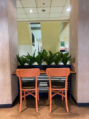 Foto 7 - Interior di Monsoon Cafe oleh feedthecat