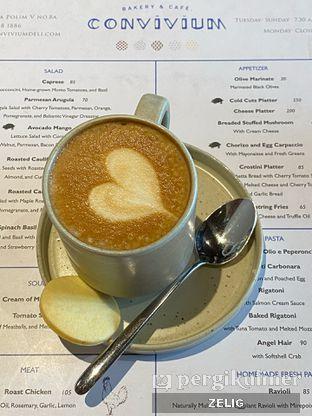 Foto 7 - Makanan(Latte) di Convivium oleh @teddyzelig