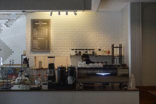 Foto 11 - Interior di Kapyc Coffee & Roastery oleh yudistira ishak abrar