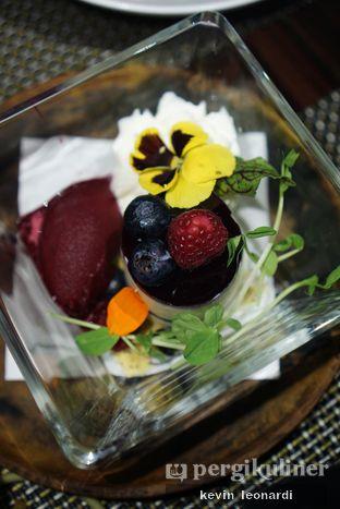 Foto 8 - Makanan(Garden in A Glass) di Skye oleh Kevin Leonardi @makancengli