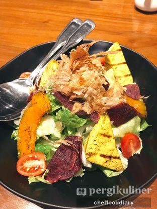 Foto 2 - Makanan(Grilled Pumpkin & Tofu Salad) di Greyhound Cafe oleh Rachel Intan Tobing