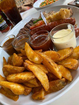 Foto review Justus Steakhouse oleh Nadhira Lutfiah 3