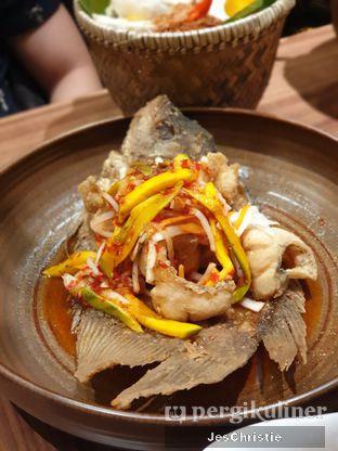 Foto 1 - Makanan(Gurame Saos Mangga Muda Midodari) di Remboelan oleh JC Wen