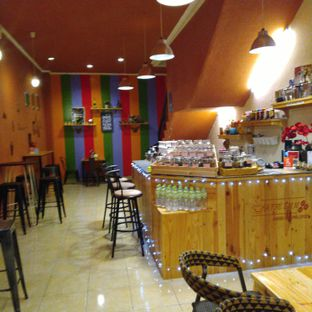 Foto 3 - Interior di Kaffe Imm - Manual Brewing Coffee oleh @kenyangbegox (vionna)