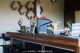 Foto 4 - Interior di The Soko Coffee Tea Chocolate oleh Ana Farkhana