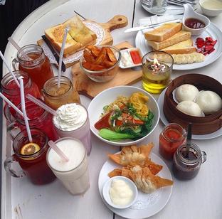 Foto 1 - Makanan di Lemongrass oleh RI 347 | Rihana & Ismail