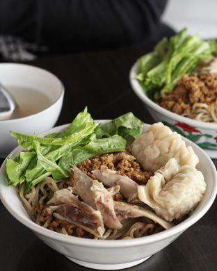 Foto 9 - Makanan di Bakmi Karet Surya oleh thehandsofcuisine