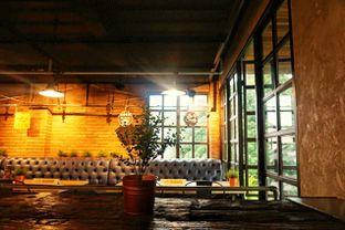 Foto 6 - Interior di Seven Grams Coffee & Eatery oleh Fadhlur Rohman