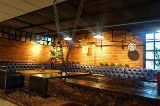 Foto 5 - Interior di Seven Grams Coffee & Eatery oleh Fadhlur Rohman