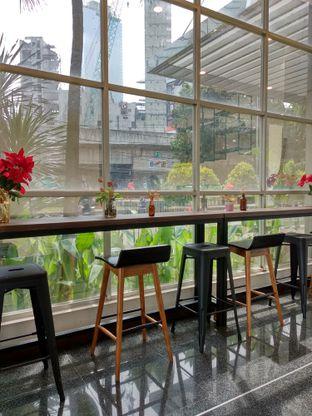 Foto 5 - Interior di Kaca Coffee & Eatery oleh Ika Nurhayati