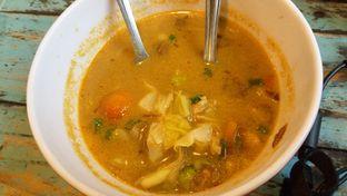 Foto 2 - Makanan(Tongseng ayam isinya cuma kol dan sayuran, ayam seuprit paadahal harga 25rb) di Warung Gumbira oleh Mei Kong