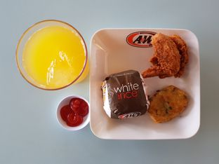 Foto 1 - Makanan di A&W oleh Amrinayu
