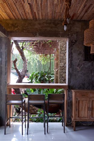 Foto 10 - Interior di Jiwan Coffee & Things oleh yudistira ishak abrar