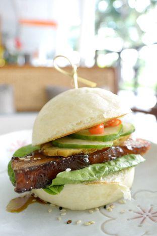 Foto 6 - Makanan di Gyoza Bar oleh Astrid Huang | @biteandbrew