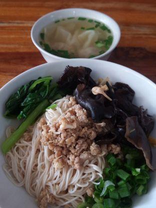 Foto 10 - Makanan di Mie Tasik GOR Padjajaran (San Jose) oleh Chris Chan