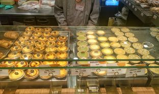 Foto 9 - Interior di Golden Egg Bakery oleh yudistira ishak abrar