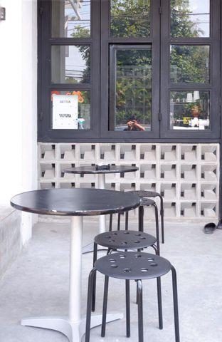 Foto 17 - Interior di Meneed Coffee Cuts oleh yudistira ishak abrar