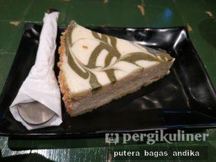 Foto 4 - Makanan(Matcha Cheesecake) di Kimukatsu oleh Putera Bagas Andika