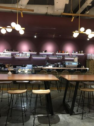Foto 6 - Interior di 11:11 Coffee oleh Jeljel
