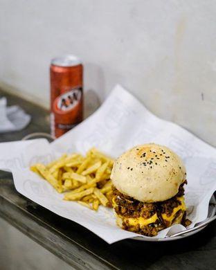Foto 1 - Makanan di Easy Burger & Bowl oleh Fadil Daffa