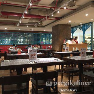 Foto 5 - Interior di Chopstix oleh Darsehsri Handayani