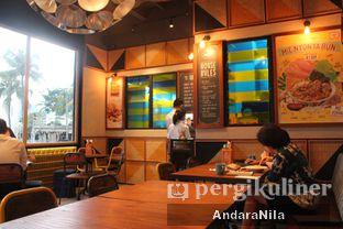 Foto 3 - Interior di The People's Cafe oleh AndaraNila
