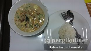 Foto 1 - Makanan di RM Betawi Soto H. Ma'ruf oleh Jakartarandomeats