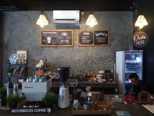 Foto 6 - Interior di Moonbucks Coffee oleh Chris Chan