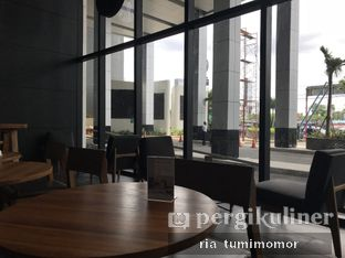 Foto 4 - Interior di Starbucks Coffee oleh riamrt