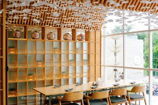 Foto 5 - Interior di Sushi Hiro oleh Indra Mulia