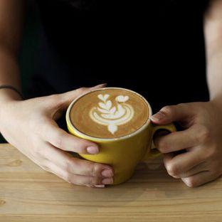 Foto 8 - Makanan(Cappuccino) di Bhumi Coffee oleh Sa Wijaya