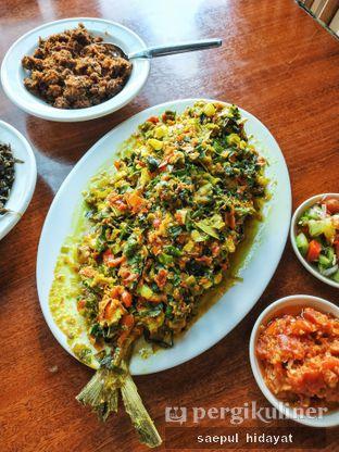 Foto 4 - Makanan(Ikan Bobara Woku) di Restoran Beautika Manado oleh Saepul Hidayat