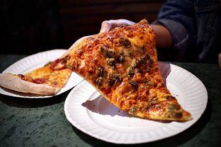 Foto 1 - Makanan(Mushroom Pizza) di Pizza Place oleh Fadhlur Rohman