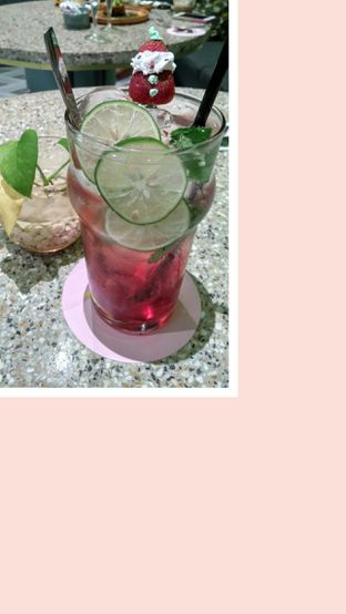 Foto 1 - Makanan(Strawberry Mint Mojito) di Unison Cafe oleh Alexander Nirwan Wijaya