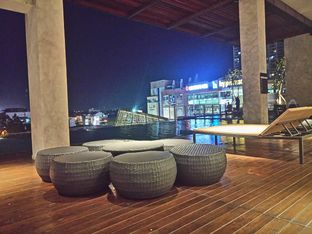 Foto 8 - Interior di M POOL & BISTRO - The Margo Hotel oleh yudistira ishak abrar