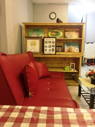 Foto 1 - Interior di Dapoer Roti Bakar oleh Prido ZH