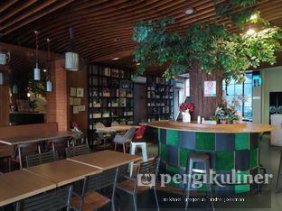 Foto 5 - Interior di De Cafe Rooftop Garden oleh Andre Joesman