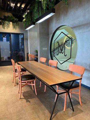 Foto 5 - Interior di Monsoon Cafe oleh feedthecat