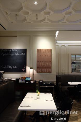 Foto 10 - Interior di AMKC Atelier oleh Darsehsri Handayani