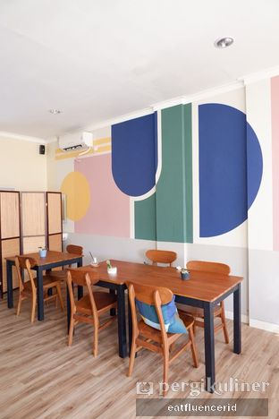 Foto 7 - Interior di Dimata Coffee and Eatery oleh Illya Adista