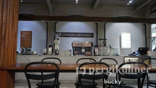 Foto 3 - Interior(Ambience) di Common Grounds oleh Buchara Rubyandra