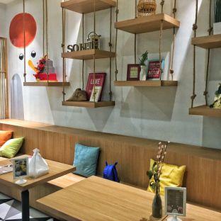 Foto 7 - Interior di Sollie Cafe & Cakery oleh Lydia Adisuwignjo