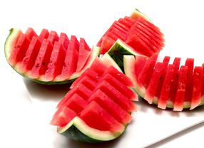 Enam Makanan yang Bisa Mencegah Dehidrasi