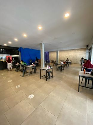 Foto 8 - Interior di Waroeng Steak & Shake oleh Riani Rin