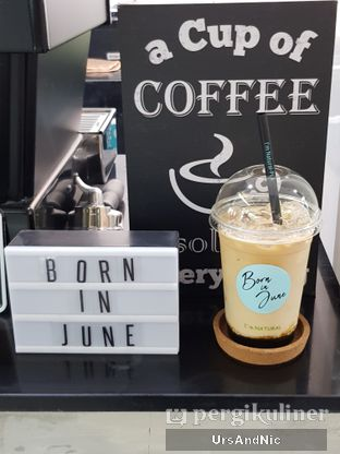 Foto review Born In June oleh UrsAndNic  1