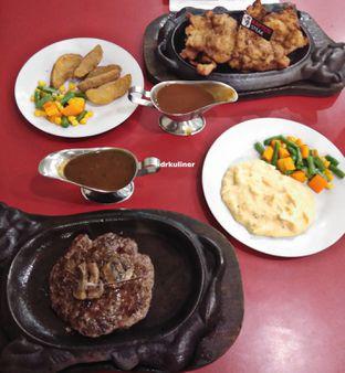 Foto 2 - Makanan di Kapten Steak oleh Devi Renat