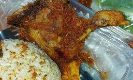 Ayam Serundeng Mak Sum