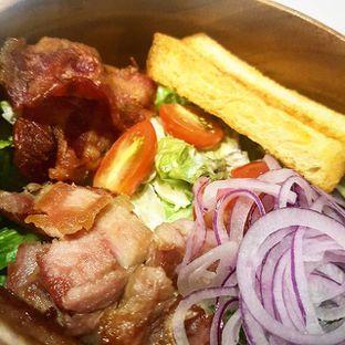 Foto - Makanan(Smoked Pork Salad) di Slice of Heaven oleh Eric  @ericfoodreview